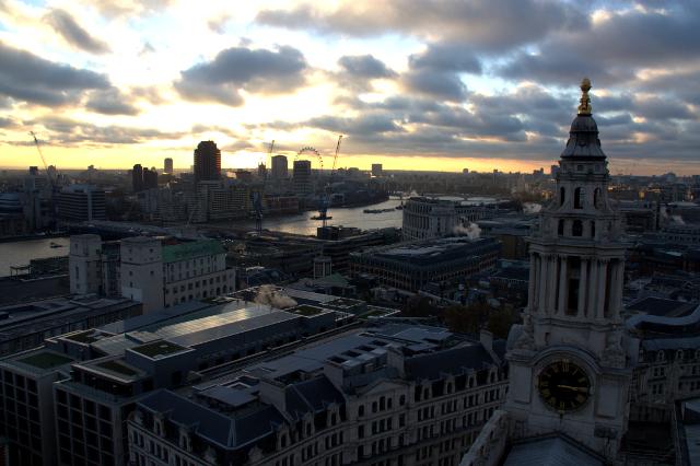 Vistas del Tamesis y London Eye